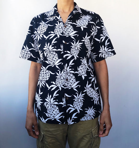 Ky's Hawaiian Black and White Pineapple Top (Men's Medium)