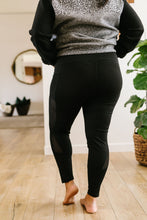 Load image into Gallery viewer, Fishnet Panel Athletic Leggings