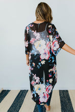 Load image into Gallery viewer, Lightweight Floral Kimono In Black