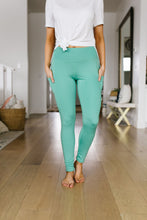 Load image into Gallery viewer, Main Event Athletic Leggings