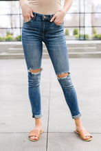 Load image into Gallery viewer, Skinned Knee Skinny Jeans
