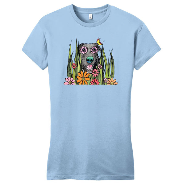Black Labrador in the Grass - Women's Fitted T-Shirt