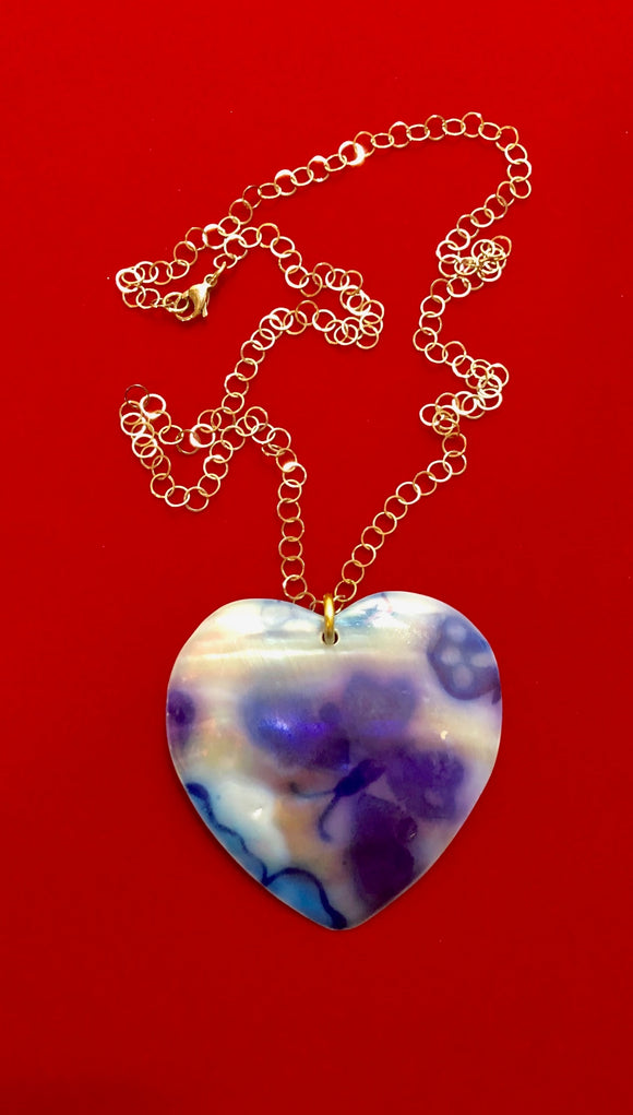Mother of Pearl Heart Shaped Shell Pendant with Butterfly Pic on 24