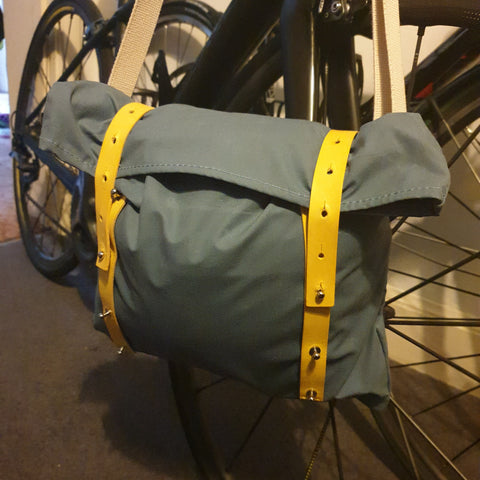 Vel-Oh Nip Out Bag Musette review on Gallivant.bike