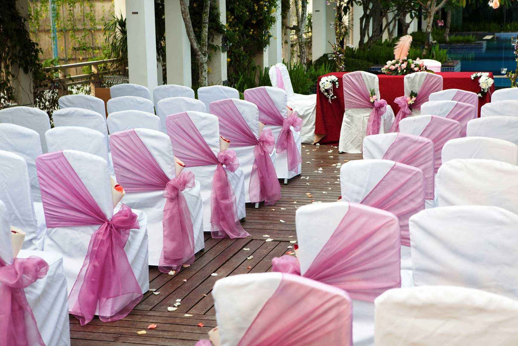 How to Pair Chair Covers Wholesale with Satin Sash for Special Events?