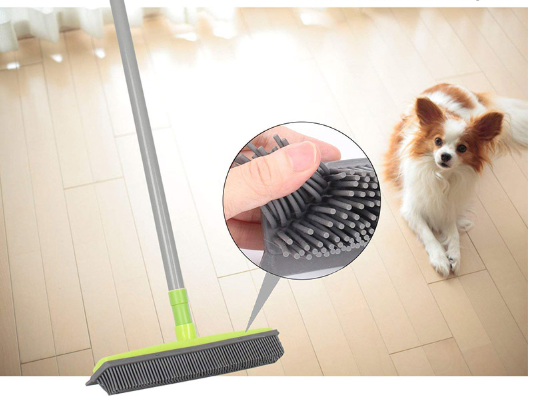 Rubber broom for animals