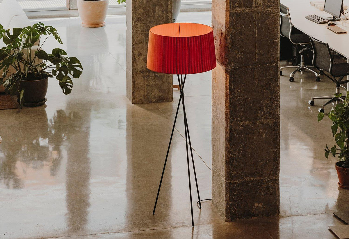 Tripode G5 floor lamp, 1994, Equipo santa and cole, Santa and cole