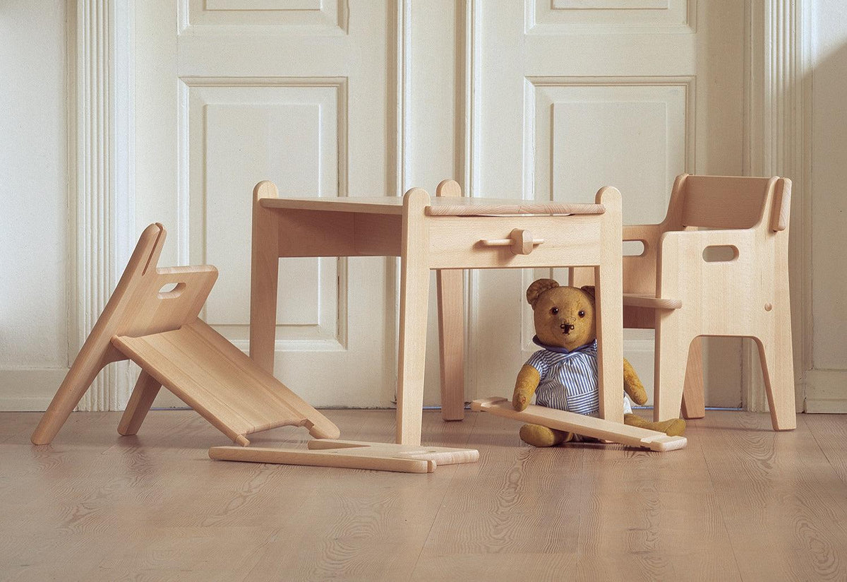 CH410 children's chair, 1944, Hans wegner, Carl hansen and son