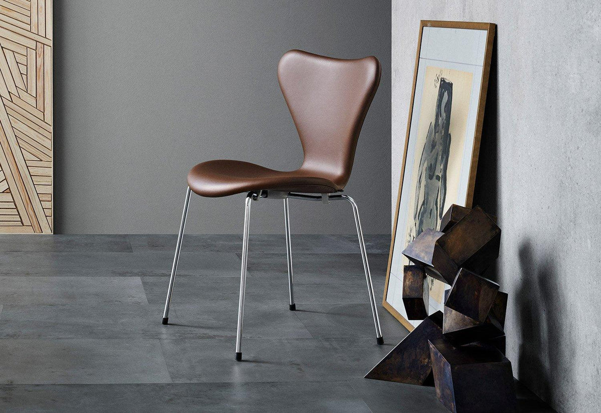 3107 Series 7 chair full upholstery, 1955, Arne jacobsen, Fritz hansen