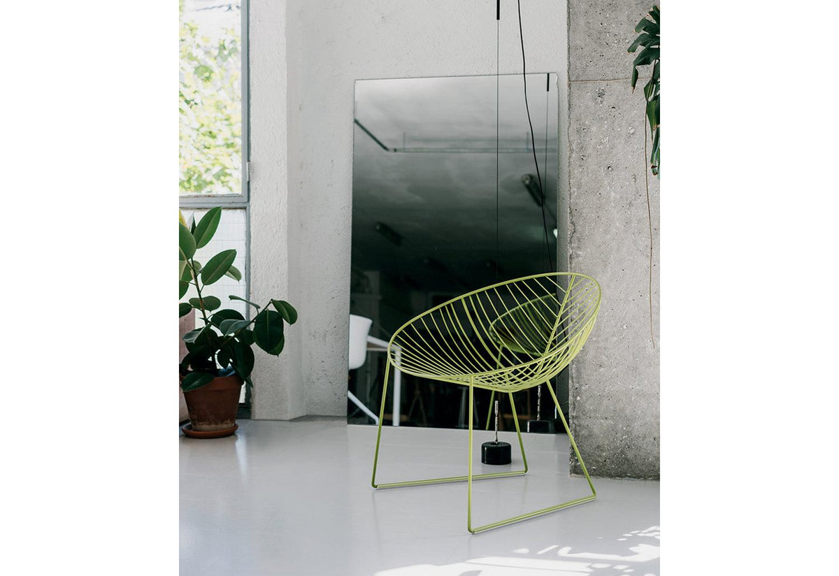 Leaf outdoor lounge chair, Lievore altherr molina, Arper