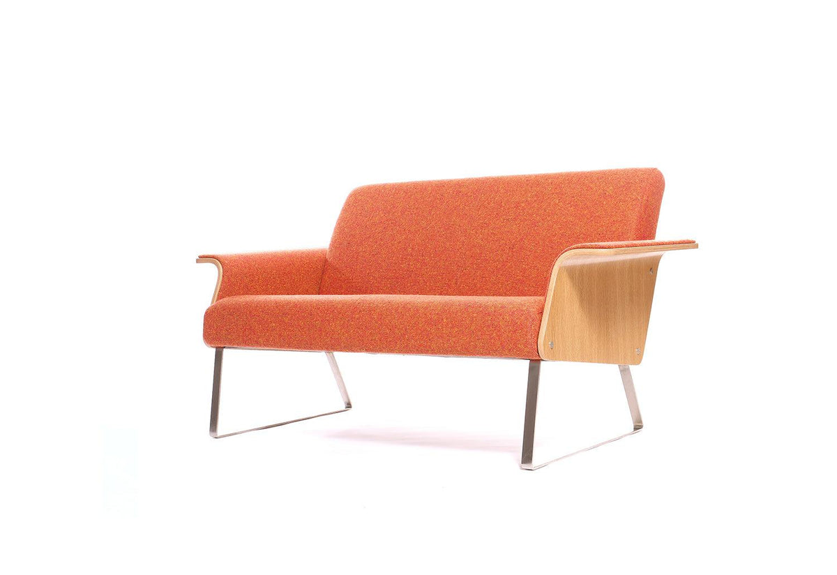 Avian AV2 sofa, 1999, Robin day, Twentytwentyone