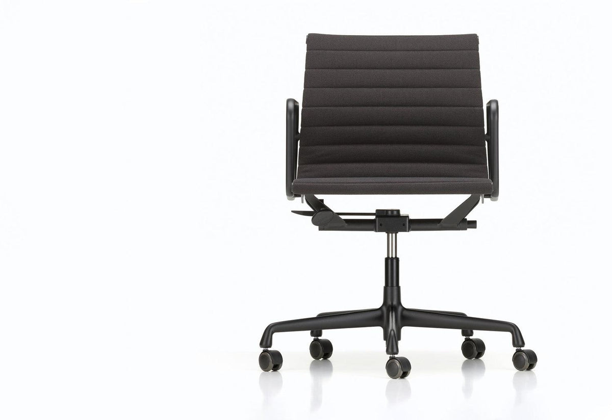 Eames EA 117 chair, 1958, Charles and ray eames, Vitra