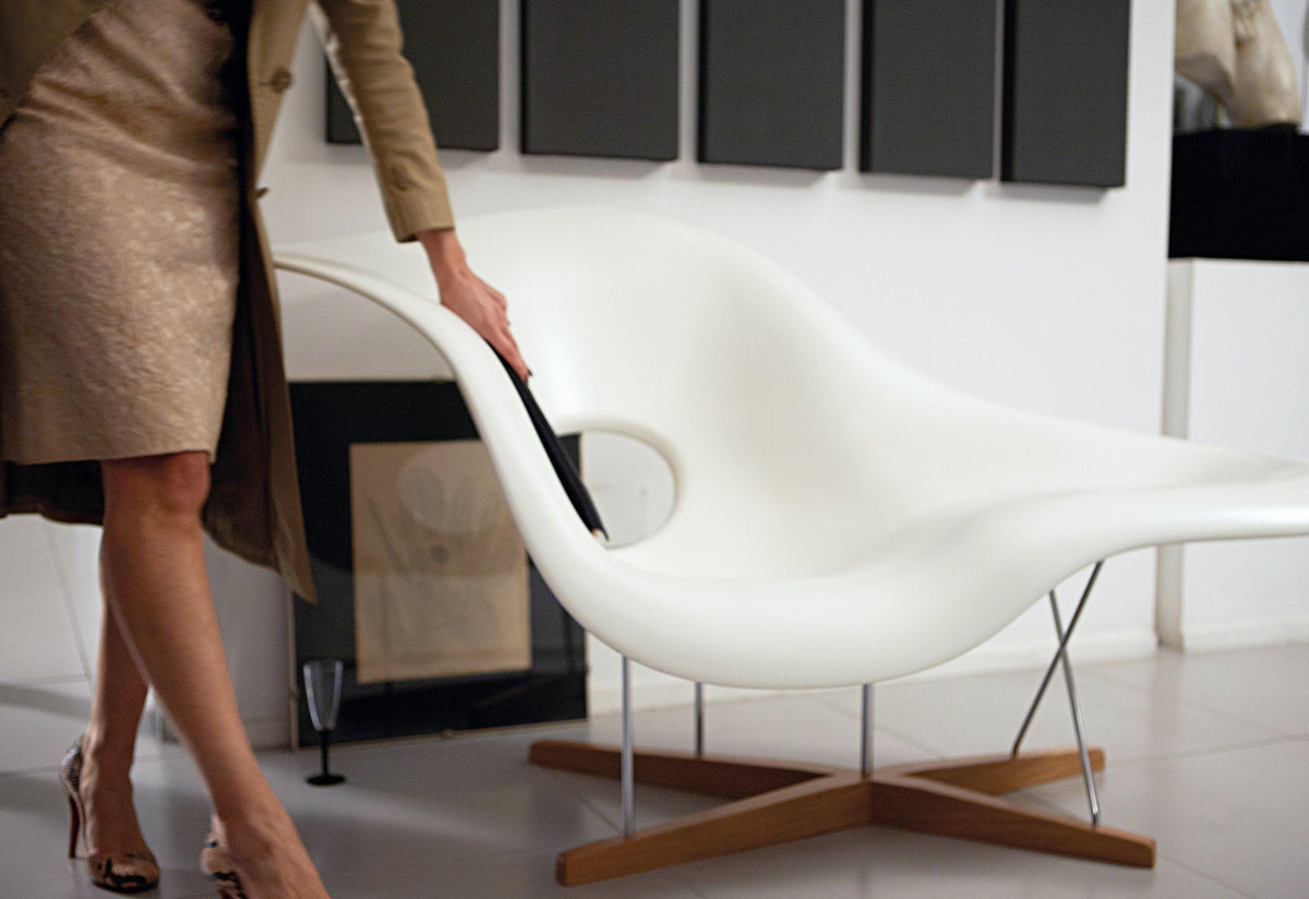 Eames La Chaise, 1948, Charles and ray eames, Vitra