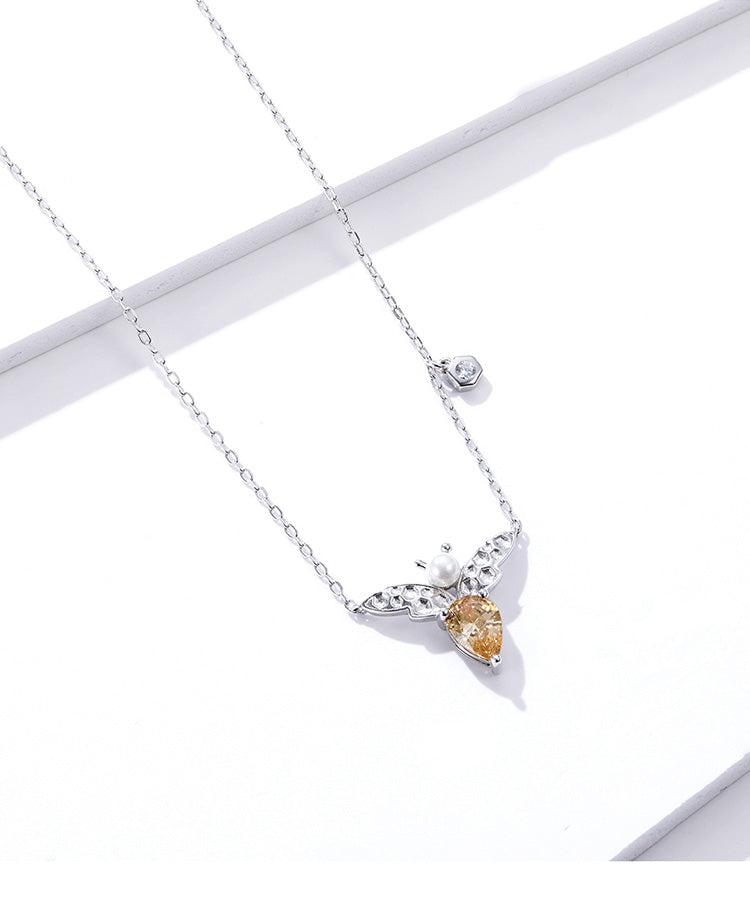 925 Sterling Silver Pearl Bee Short Pendant Necklace Precious Jewelry For Women