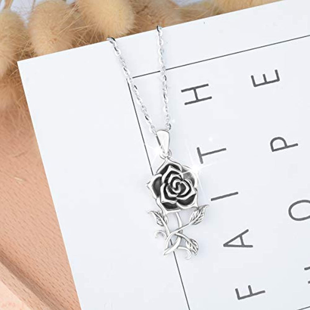Vintage  Flower Pendant Necklaces