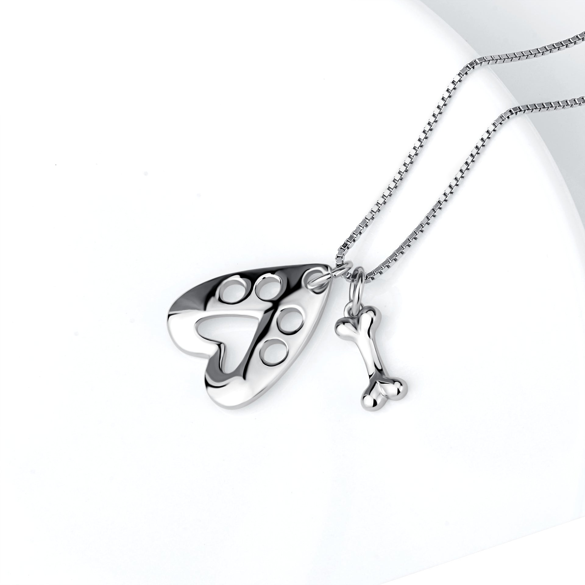Engraved Hollow Claw Animal Elegant Women Necklace