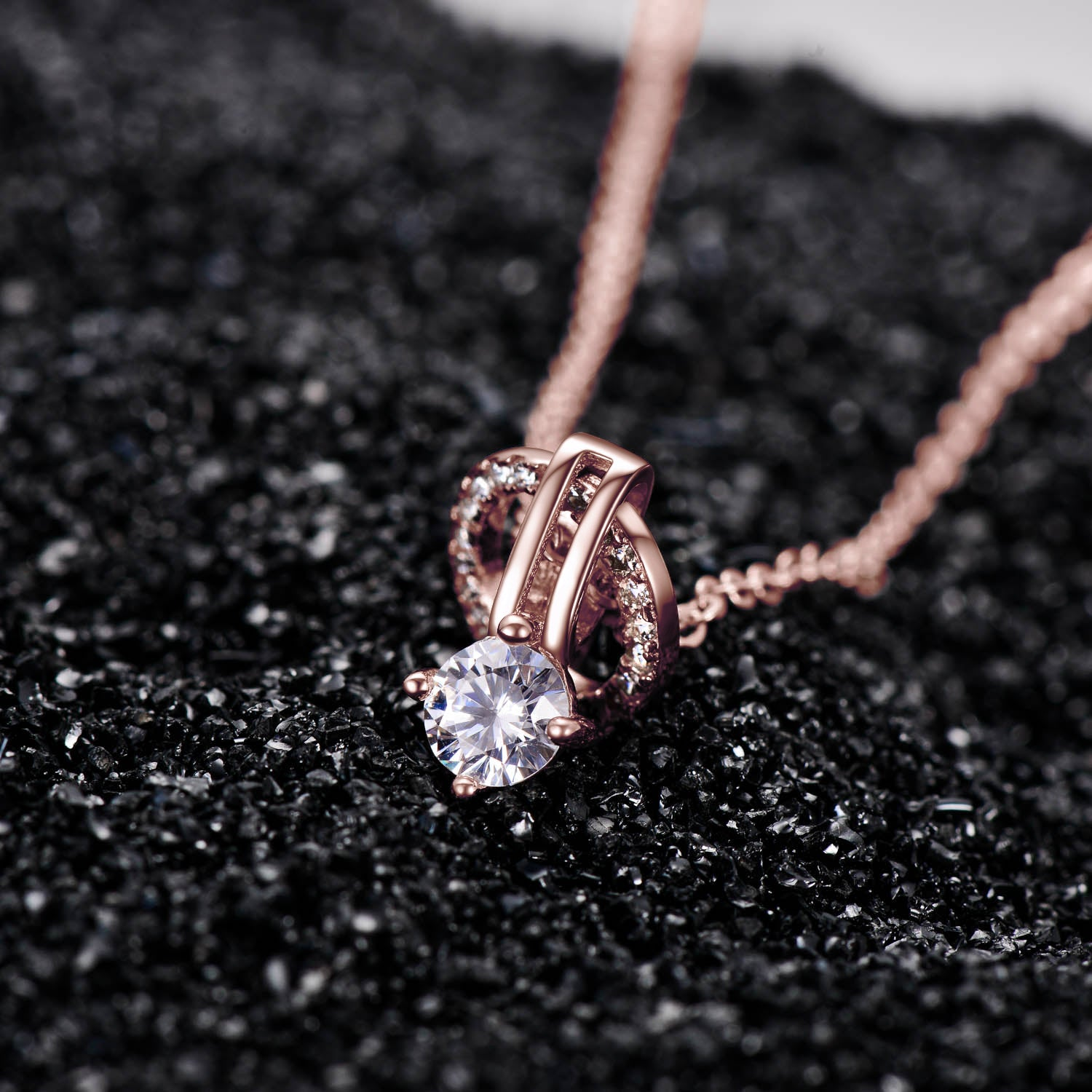 Factory Direct Wholesale Necklace Simple Design Round Cubic Zirconia Necklace