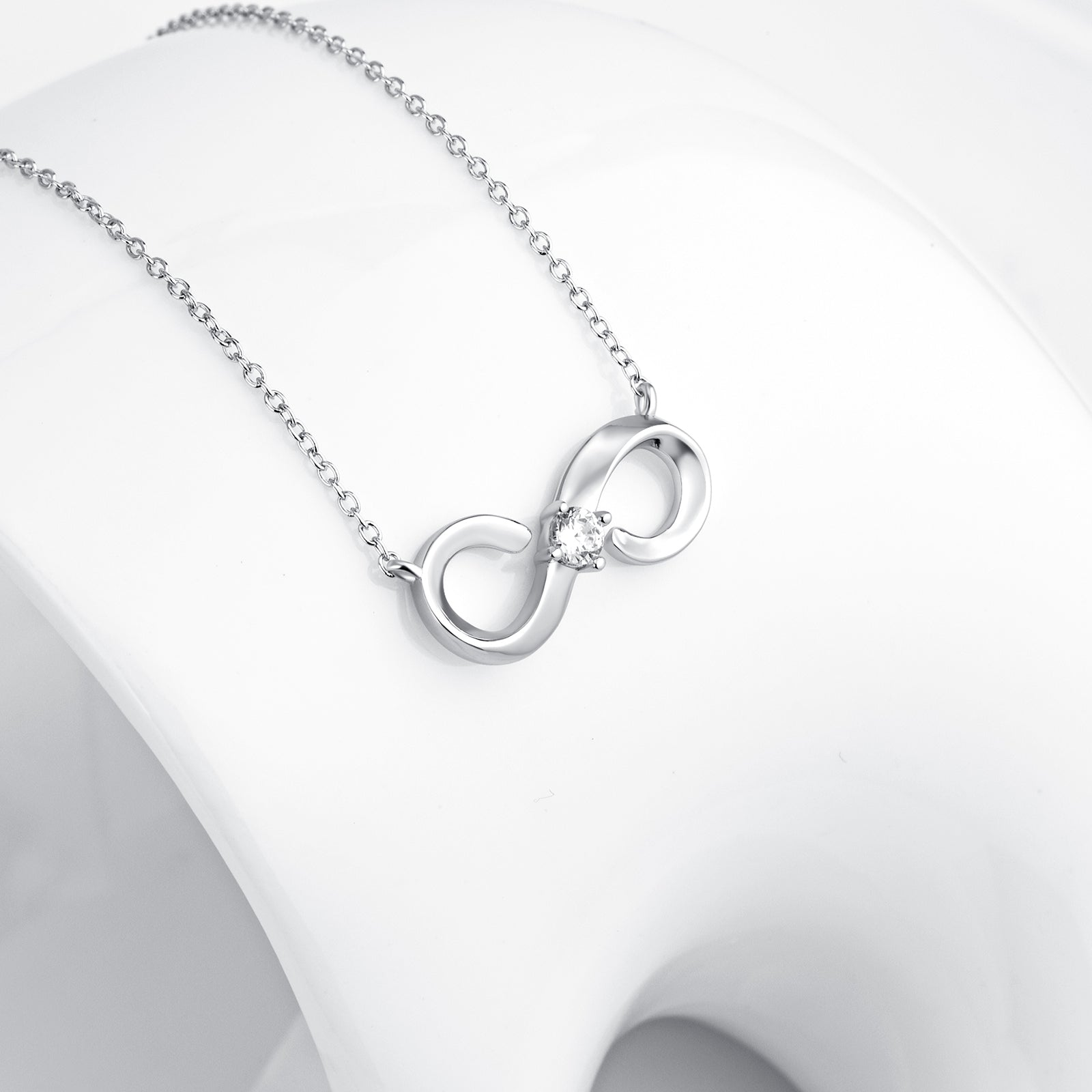 Cable Chain Knot Necklace Zirconia Best Quality Eight Number Necklace