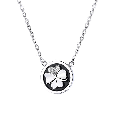rotating clover necklace