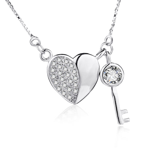925 Sterling Silver New Item Diamond Heart And Key Pendant Necklace
