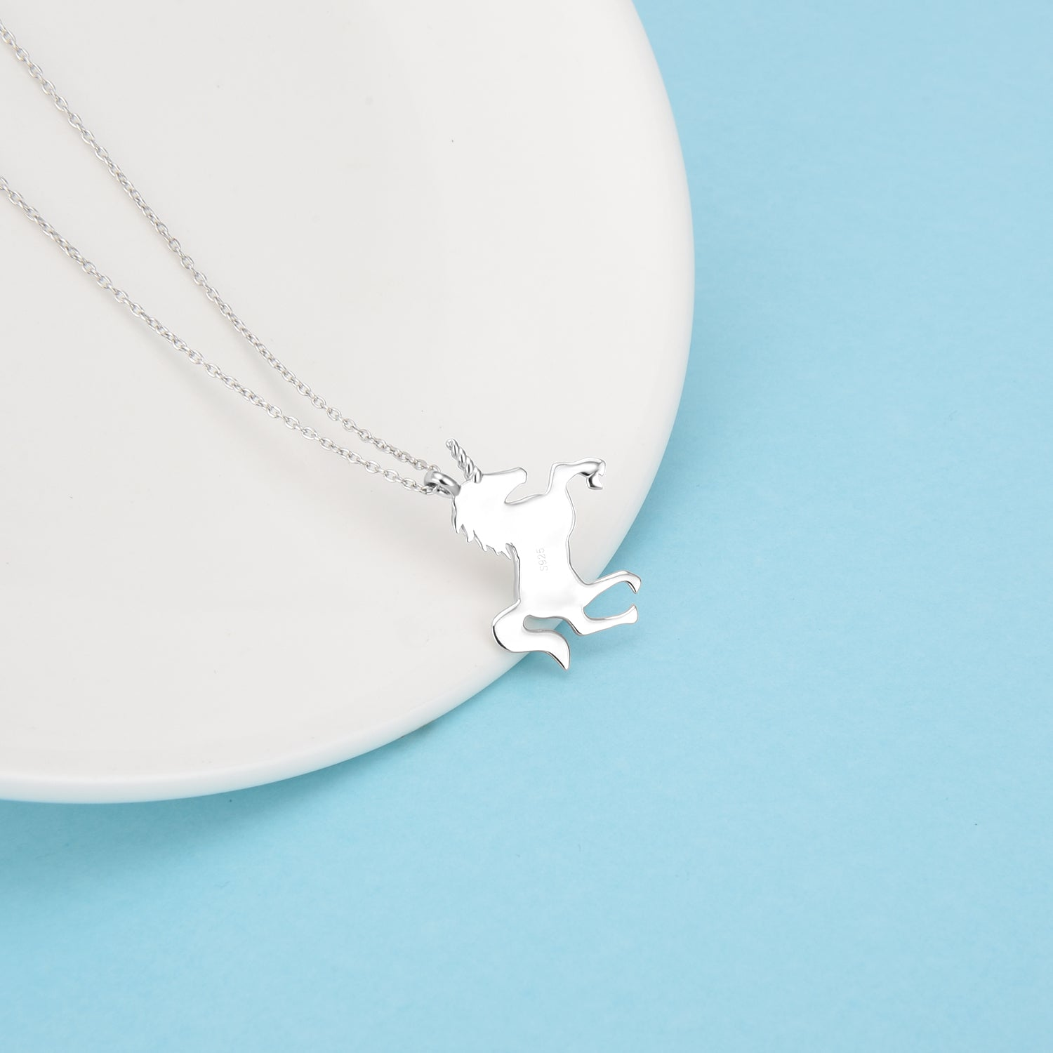 Good Quality New Fashion Animal Necklace Running Horse Necklace Manufacturer Wholesale