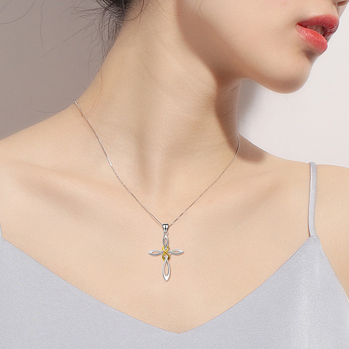 Newly Design Wholesale Fashion Celtic Knot Cross Necklace Jewelry Necklace