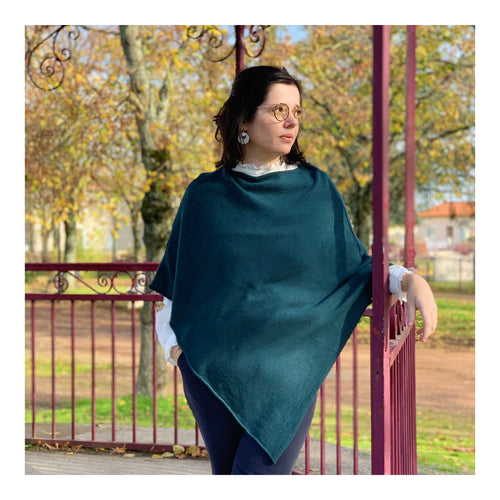 Poncho en maille canard
