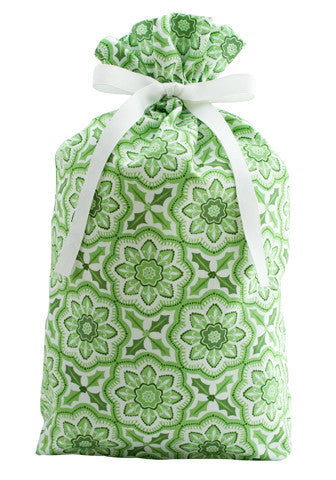 holly and ivy cloth gift bag