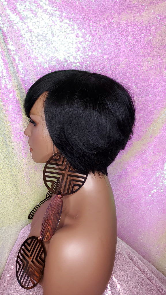 Short Cut Bob Wig Brazilian Remy Hair Layered Hair Bob Style Wig with Swoop Bangs