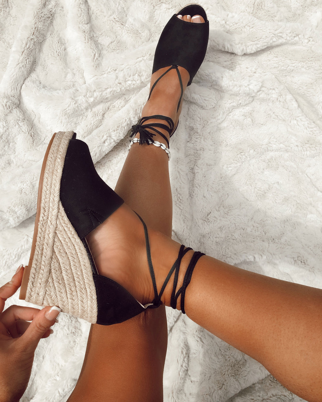 Tie Up Wedge in Black