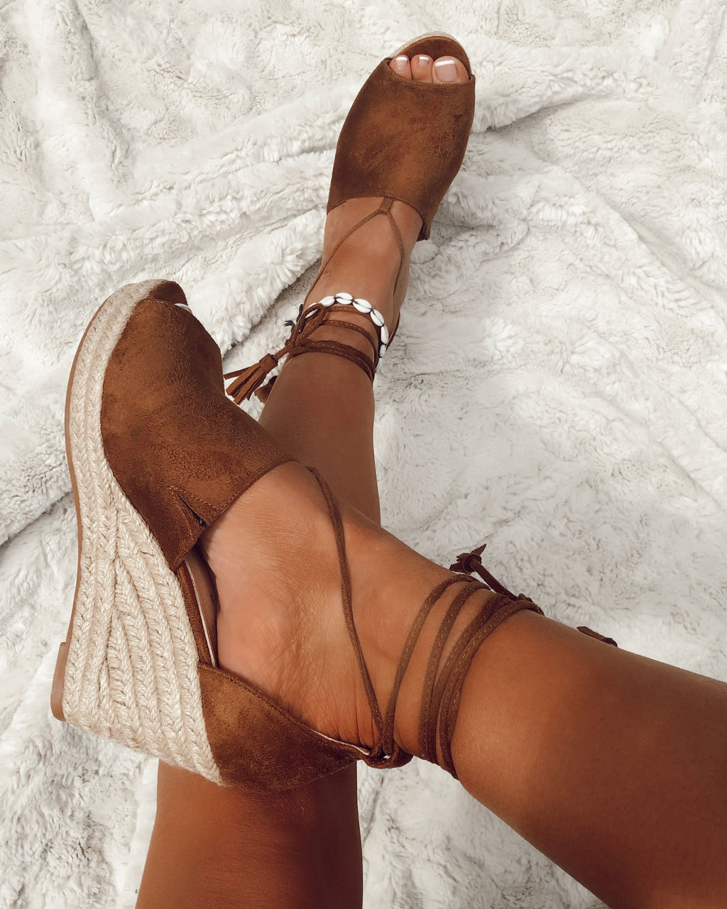 Tie Up Wedge in Camel