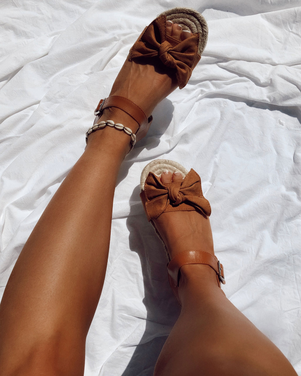 Bow Detail Sandals in Camel