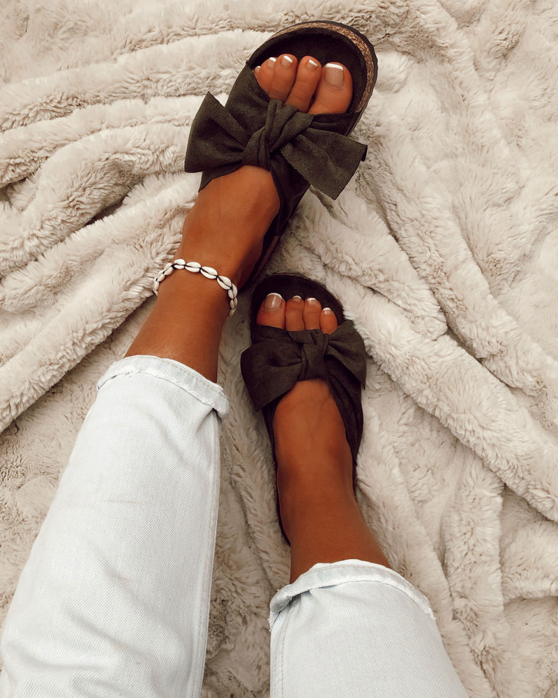 Knotted Sandals In Khaki