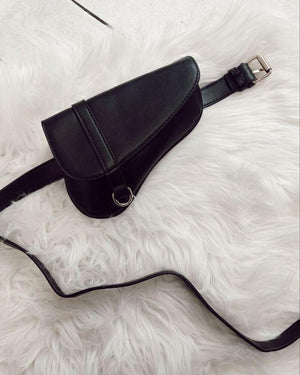 Glance Saddle Bum Bag In Black