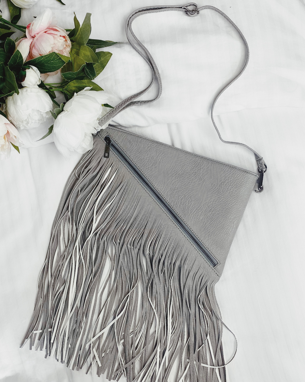 Demi Tassel Shoulder Bag