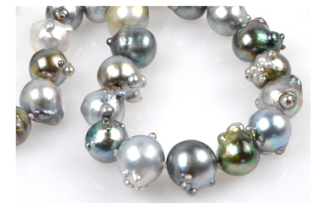 rosebud Tahitian pearls .. the nacreous aliens among us