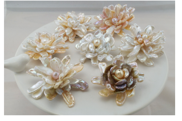HANDMADE PEARL BROOCHES ARE BACK