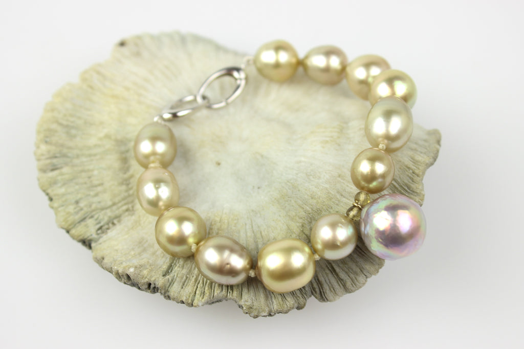 CHAMPAGNE SOUTH SEA AND LAVENDER RIPPLE PEARL BRACELET