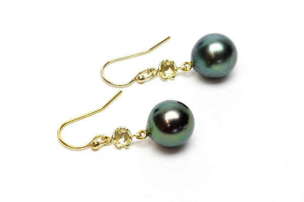 simple Tahitain pearl dangle earrings