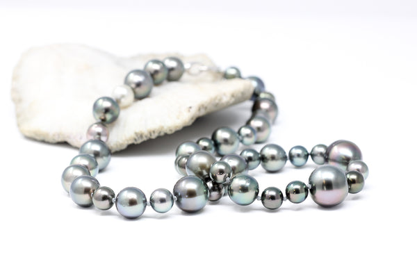 Green Bubbles Tahitian pearl necklace