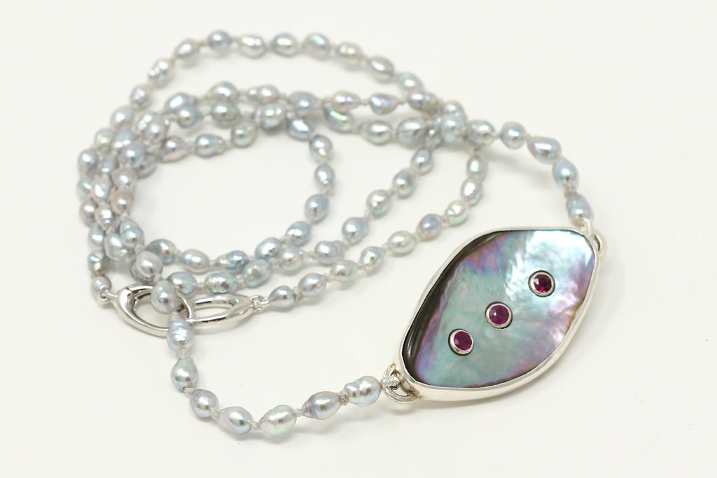 abalone shell with three rubies Akoya keshi necklace