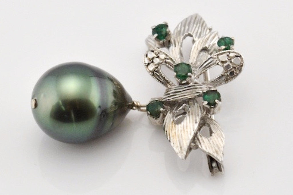 emerald and large tahitian pearl vintage white gold brooch