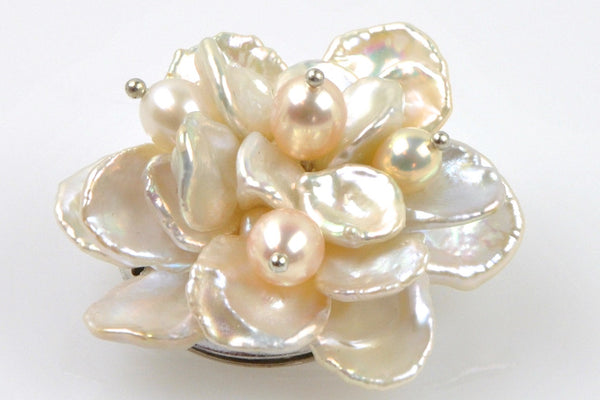 blooming petal flower pearl brooch