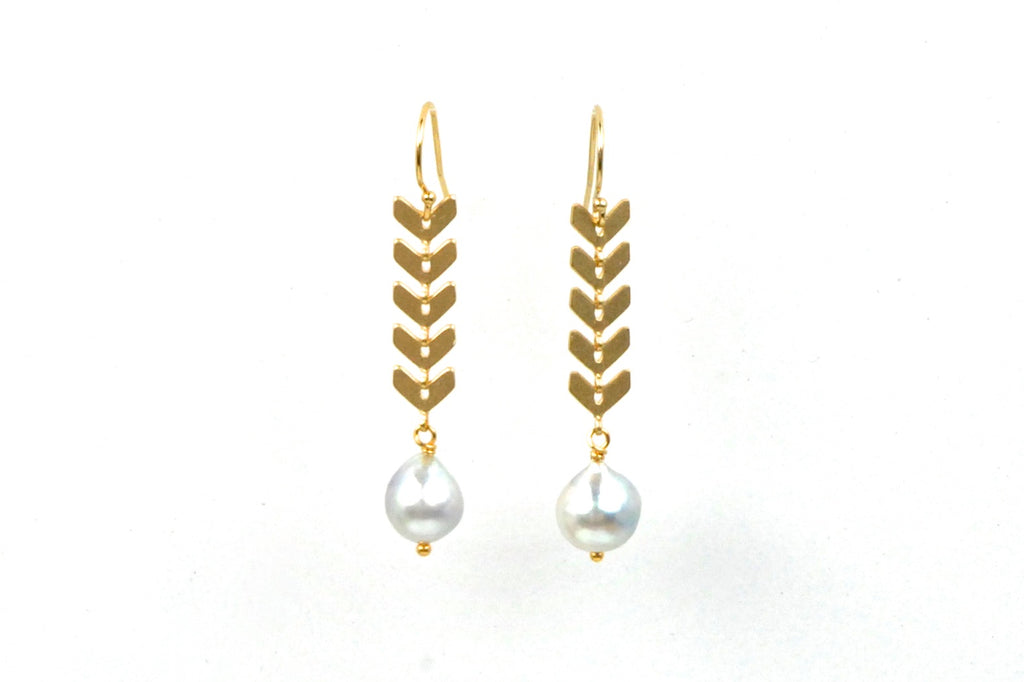 chevron japan akoya pearl earrings