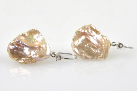 flutter fly petal drop pearl earrings
