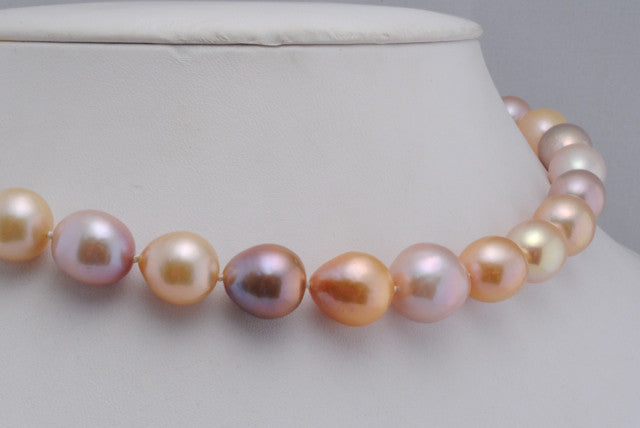 rose garden pearl necklace