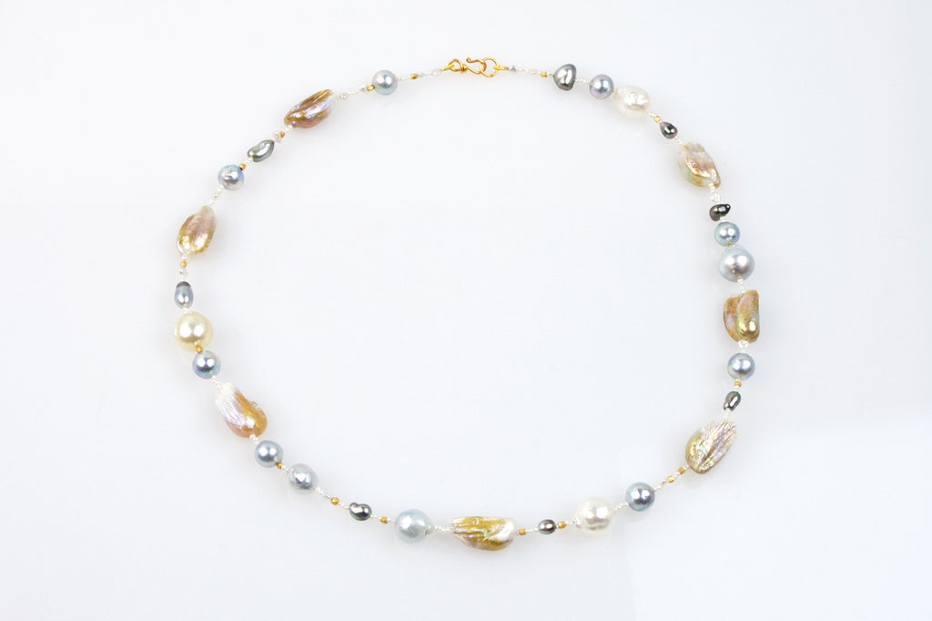 winter warmth pearl necklace
