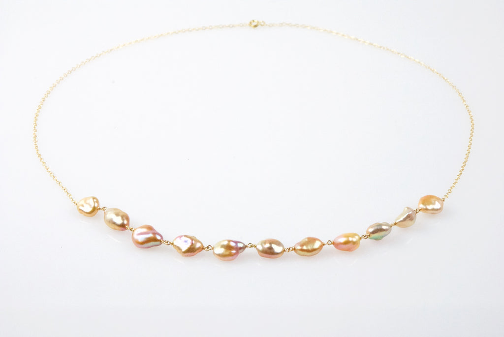 peach petals necklace