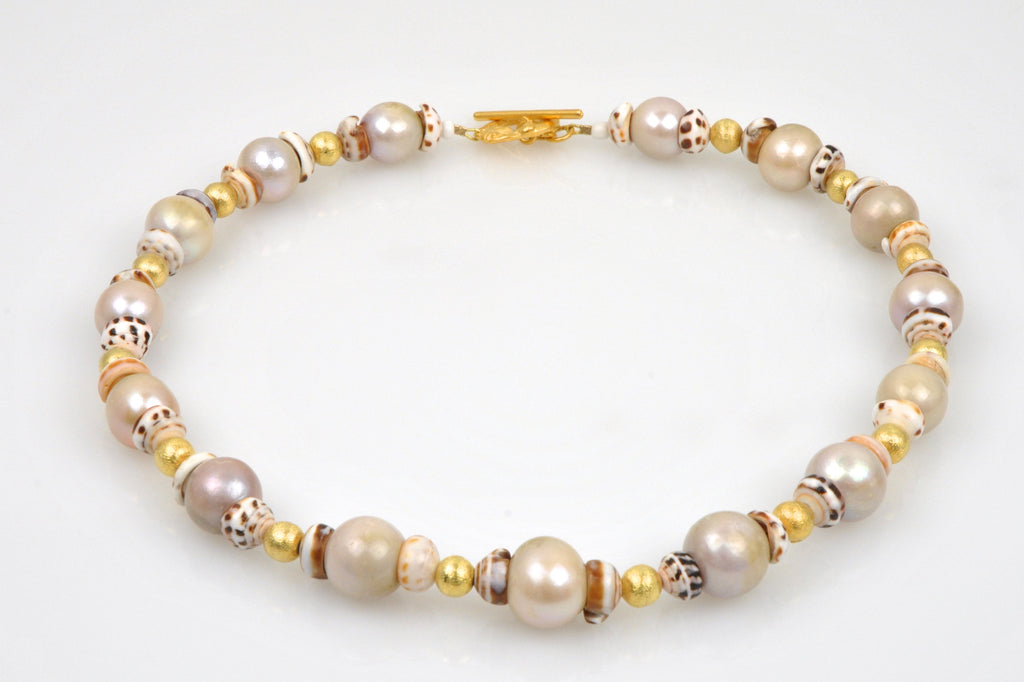 boke pearl and shell collar necklace