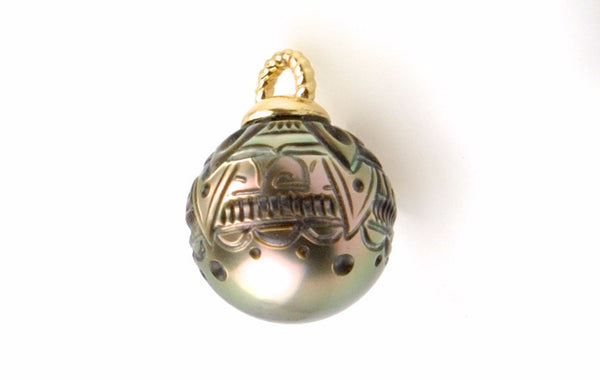 hand carved tahitian pearl pendant